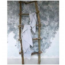 Lengvi spalvoti lininiai rankšluosčiai