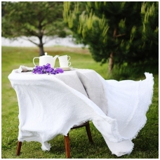 Lininė staltiesė su kutais